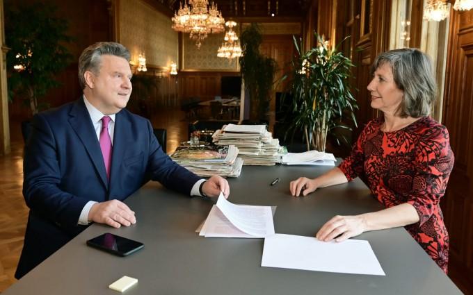 Vizebürgermeisterin Birgit Hebein und ich treten für einen sofortigen Delogierungs-Stop in ganz Wien ein II Fotocredit: PID